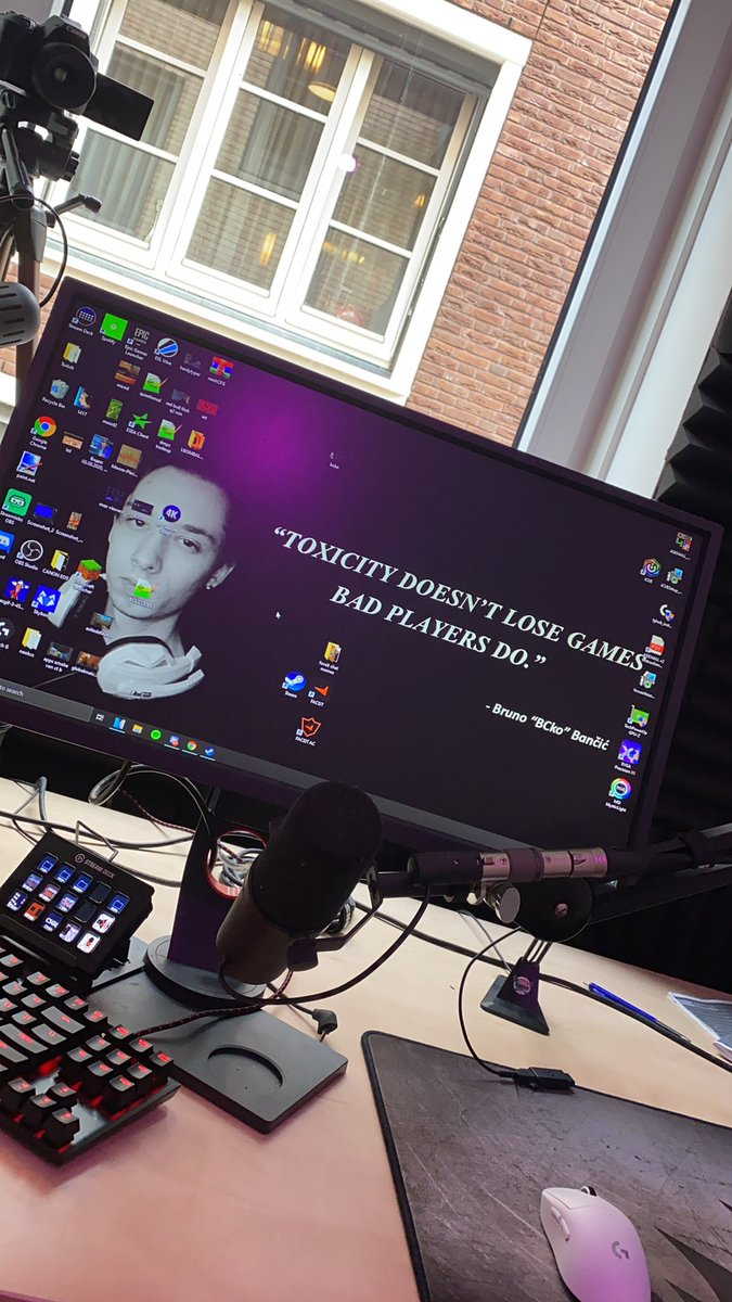 Replying to @CsNeok: new pc background