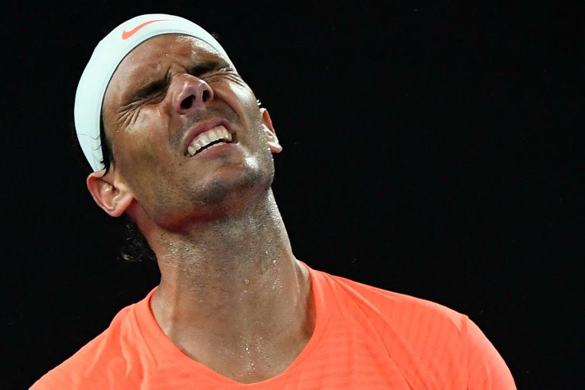 #DeporteEnCuarentena: #Nadal se despide del Abierto de #Australia tras perder en cuartos con #Tsitsipas en cinco sets. El tenista español, uno de los grandes favoritos en el torneo oceánico, no colmó las expectativas. #ATPCup