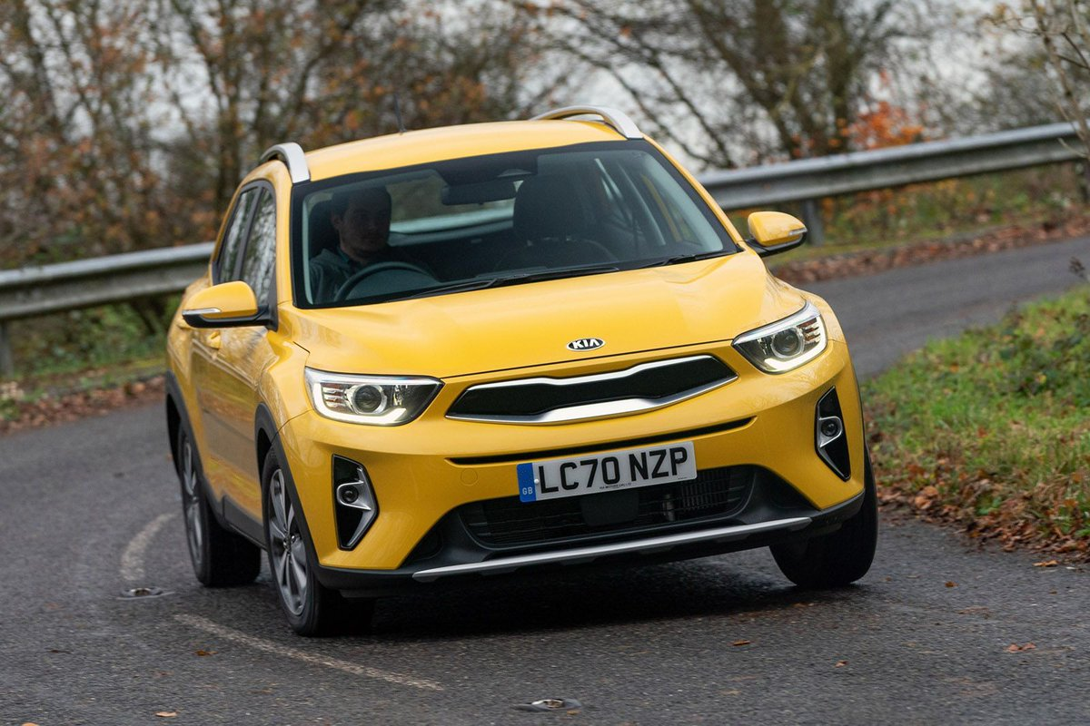 REVIEW UPDATE: @KiaUK's answer to the Ford Puma and Nissan Juke has been given hybrid tech and a sporty new GT trim.  We've put the new Stonic through our full road test to see if it deserves a place on your shortlist: https://t.co/rMpNNcdtFN https://t.co/2gy96KGgCS