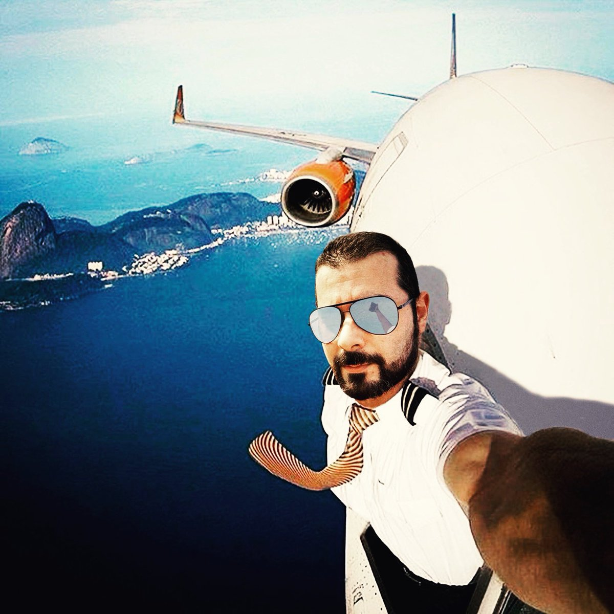 I miss flying and meanwhile taking a selfie 😂😂😂  #missflying #vacation #COVID19 #lol #whendoesitstop #Goodtimes #lockdown #photoshop #goodmood #takecare #besafe