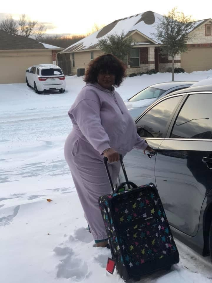 I asked my aunt was she bout to drive up that mountain 🏔 to save her marriage... She told me don't ever come back to her house 🤦🏾♂️😂