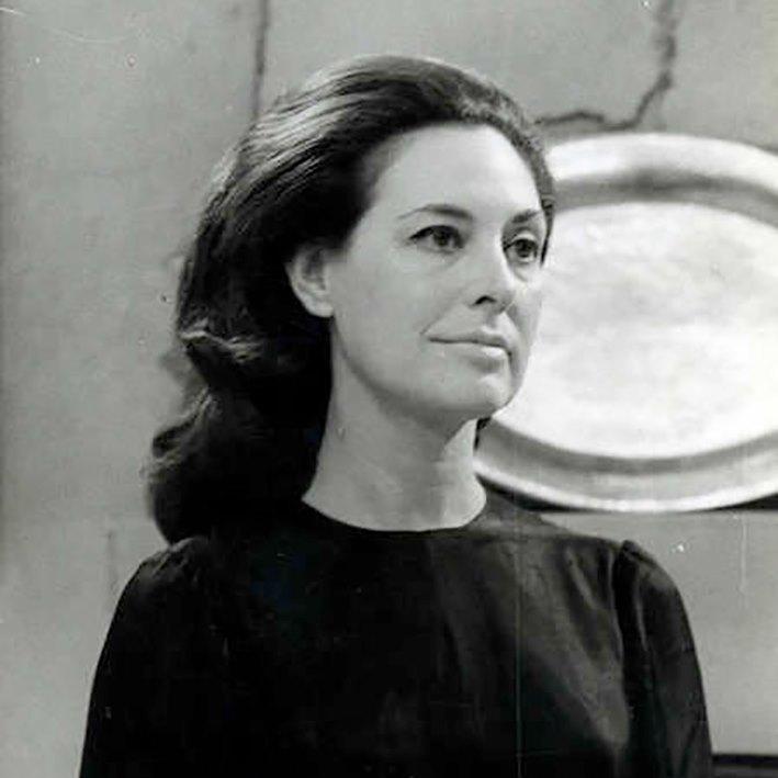 Carmen Dolores 1924-2021 https://t.co/C0PolEm38D