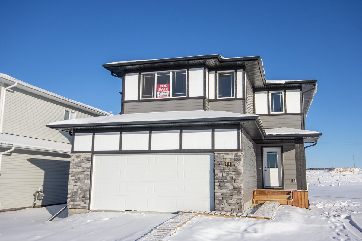 It is nice to see the sun out in #TimberRidge this morning 🌞 Have you seen our newest Quick Possession home yet? 33 Toal Cl • 3 bdrms • Bonus room • 2.5 baths • $489,900 👉 https://t.co/zqdjGaHEQc #youcouldlivehere #newhomes #RedDeer https://t.co/4O8OzacVn2