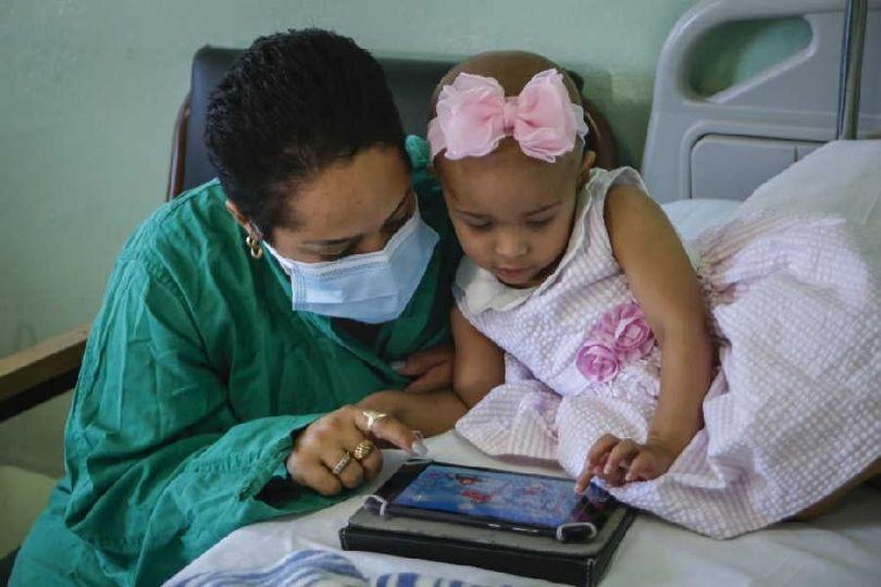 ¨Para los niños trabajamos, porque los niños son los que saben querer, porque los niños son la esperanza del mundo¨.#diainternacionaldelcancerinfantil. La atención especializada #NiñosConCancer, es prioridad en #CubaViva . #CubaSalvaVidas
