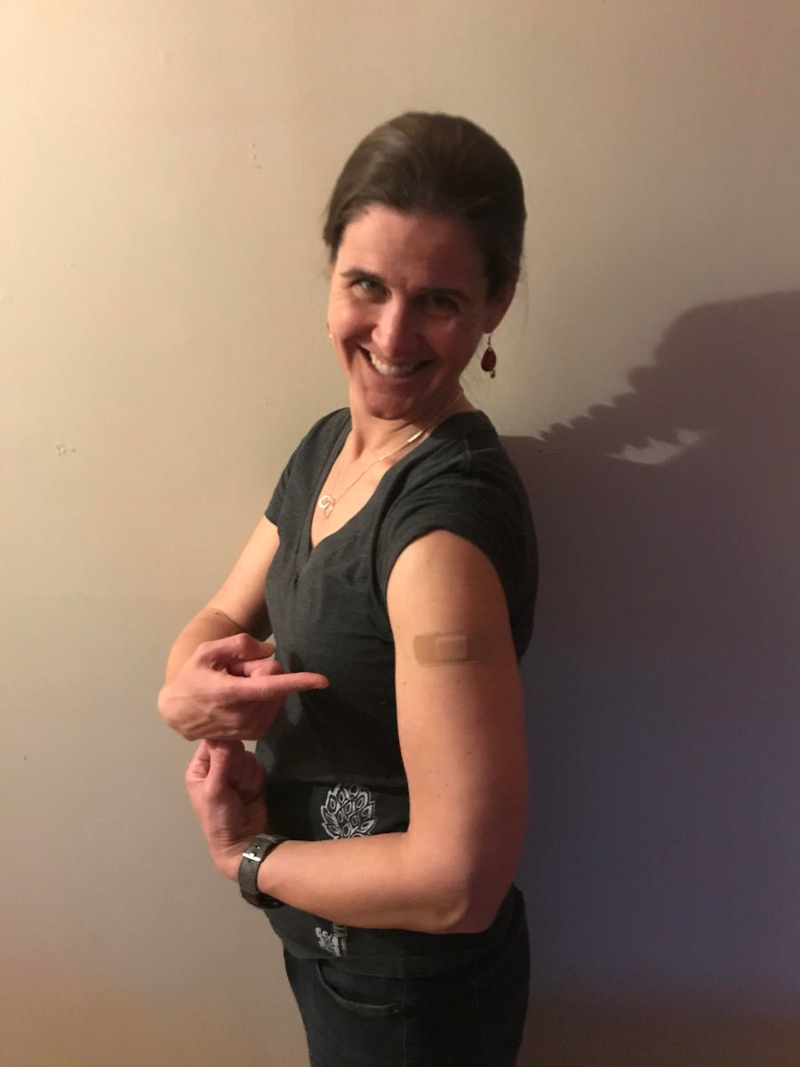 test Twitter Media - Our president, Gina Carr, MD, MPH got her #COVIDVaccine! Family physicians are leading the way in safeguarding our communities. https://t.co/D42f3jbidD