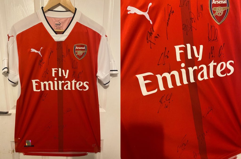 I'm giving away this 2016/17 squad authentic signed Arsenal jersey. To be in with a chance to win simply:  - Retweet ✅ - Follow @TikiTakaConnor ✅  I'll pick a winner Sunday night.   Good luck! 🤞