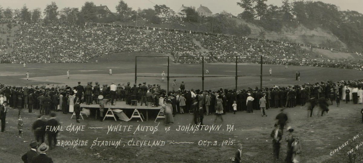 Brookside Stadium, Cleveland, Oct 3, 1915 - 70,000 are on hand to watch Cleveland White Autos sweep the Conemaugh of Johnstown,PA 4-0 and 11-0 to advance in the World Amateur Baseball Championship. Brookside Stadium is natural amphitheater stadium capable of holding up to 115,000 https://t.co/b08jM3jzcX