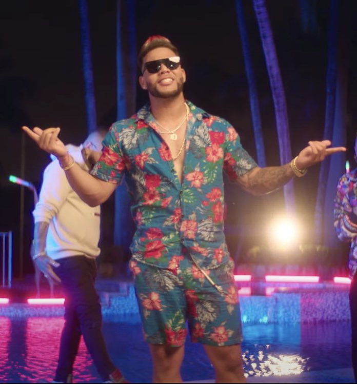 Yoan Moncada: ▪️ Oozes sauce ▪️ Hasn't quite lived up to potential, but has been great and has time ▪️ Dropped an electric music video Memphis Depay: ▪️ Oozes sauce ▪️ Hasn't quite lived up to potential, but has been great and has time ▪️ Dropped an electric music video 🤝