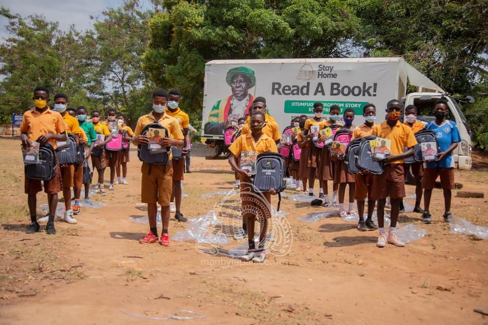 "Ashanti Kingdom: ManhyiaPalace ""Items distributed to students include 10,000 pieces of exercise books and 1,000 pieces of bag packs. "" #Exploregh #Ashanti #Kumasi #VisitKumasi"