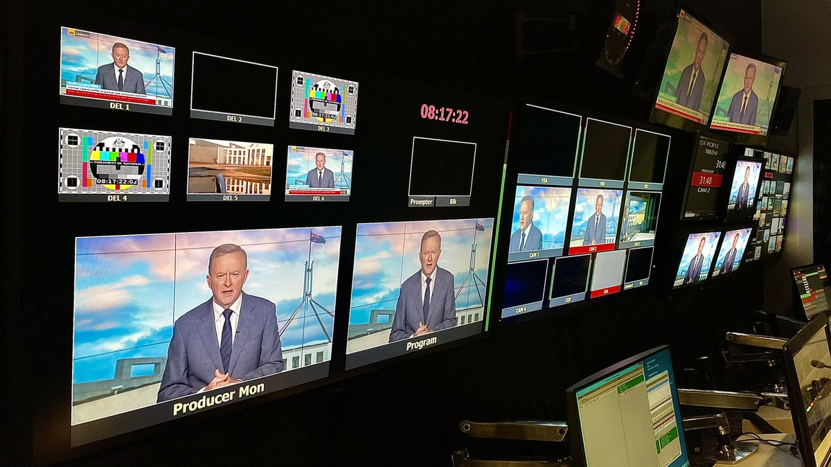 Chatting to @mjrowland68 and @BreakfastNews from Parliament House this morning.