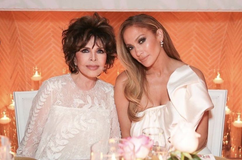 My beautiful friend @JLo is vibrant inside and out. Her skin-care line, @jlobeauty confirms she understands mom knows best with her secret ingredient. Love her & @jlobeauty...xxc