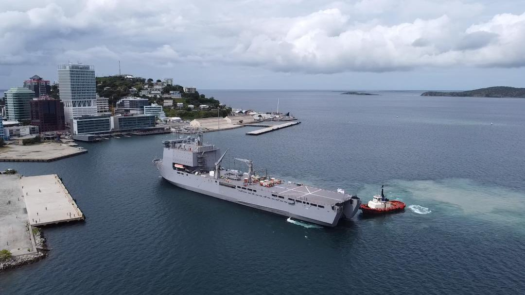 Welcome to Port Moresby #HMASChoules @Australian_Navy! #PNGAusPartnership @AusHCPNG 🇵🇬🇦🇺