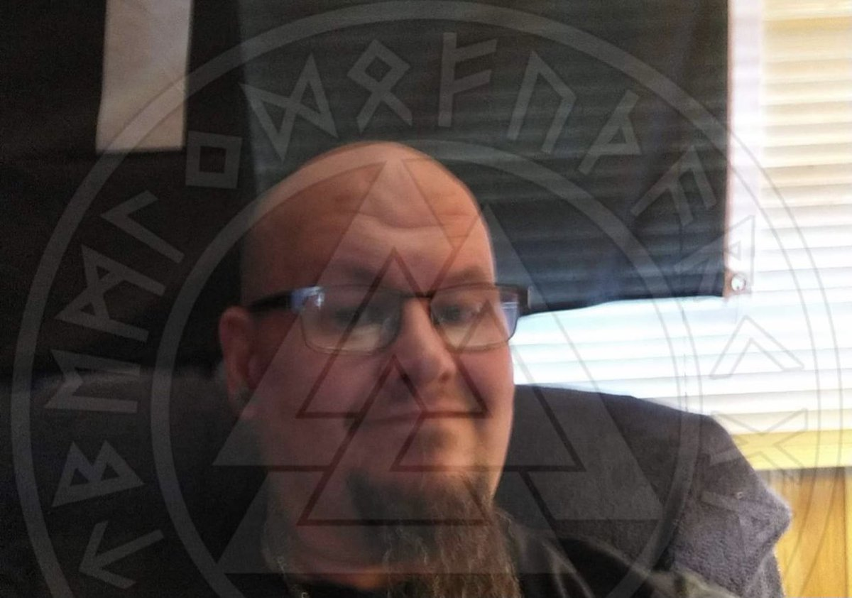 White supremacist '14 First' member Raymond Bryant has been arrested for spray painting swastikas onto a Spokane, WA synagogue.  Bryant also admitted he distributed antisemitic, neo nazi flyers at a Spokane TV station just days after the synagogue vandalism. twitter.com/StopAntisemite…