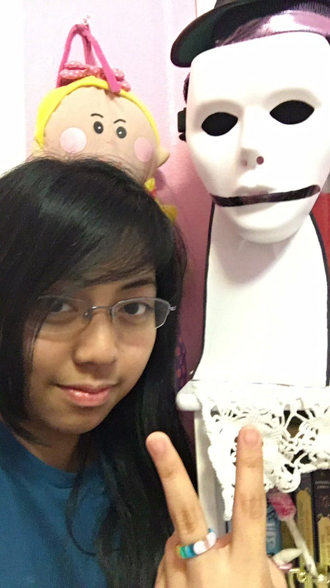 just chilling with dream was taken #asianmcyttwtselfieday