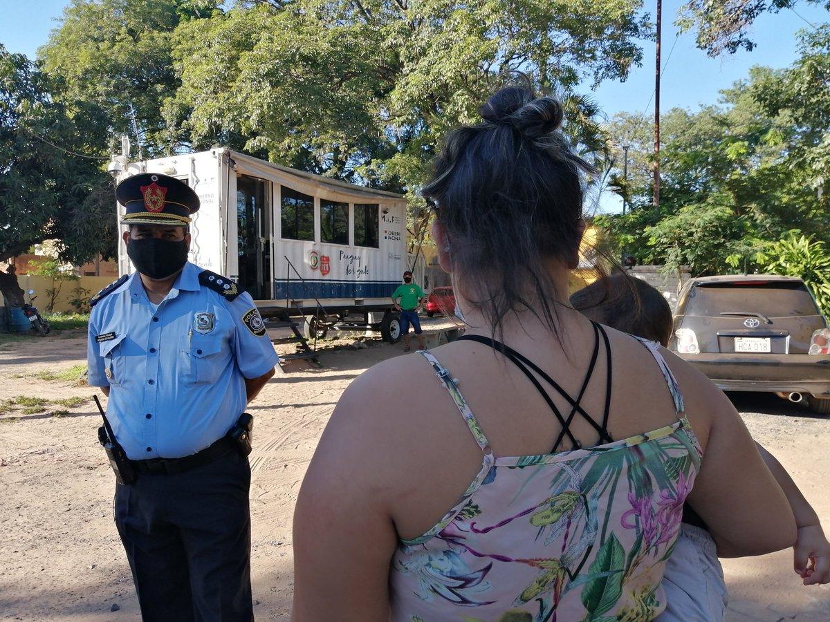 Ella fue violentada y amenazada en varias ocasiones por su expareja. Más de 10 denuncias en Trinidad y Zeballos Cue. NADIE la protege. Ayer, los policías no tomaron su última denuncia. Hoy, comprometimos al comisario hacer lo suyo. @SomosGEN @Universo970py
