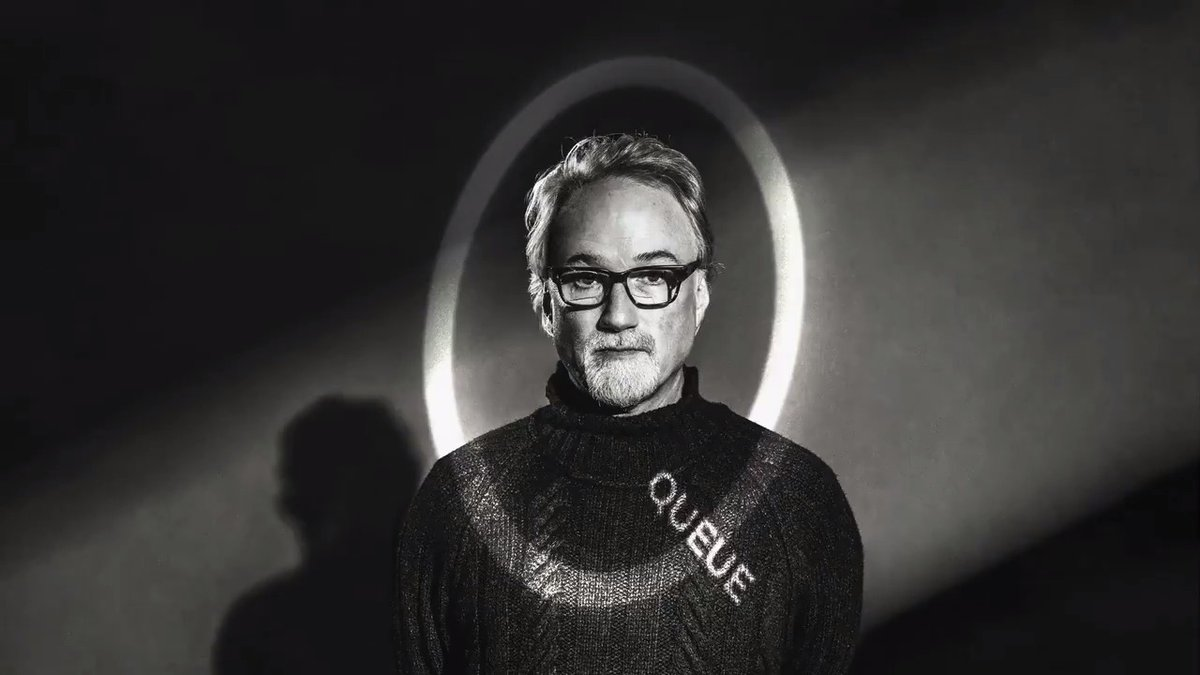"""""""I said, 'Why don't you write a screenplay about Herman Mankiewicz and Orson Welles?'"""" — Queue Cover Star David Fincher on bringing his late father Jack Fincher's screenplay to life in @MankFilm in conversation with @nevpierce."""