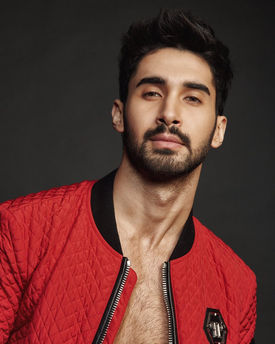 @karanjohar   introduced Lakshya as part of cast for  #Dostana2. Sharing his pics , Karan sd,'Let me introduce u to member of @DCAtalent family, #Lakshya! Having won hearts with his devilish smile & power-packed performances on tv, he's set to take it a notch higher.