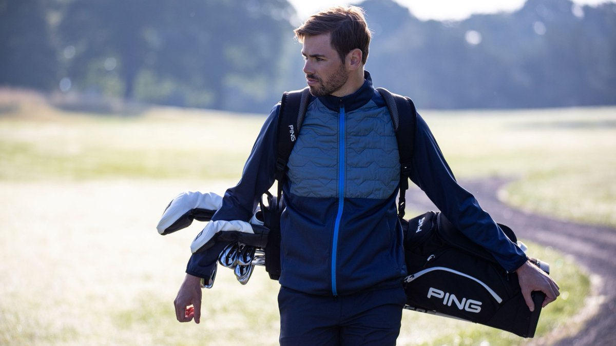 The stylish versatility of the Hoofer or the lightweight comfort of the Hoofer Lite?   We're putting bags in the spotlight in today's #FridayFocus so we want to know which model will you be sporting this summer? #PlayYourBest