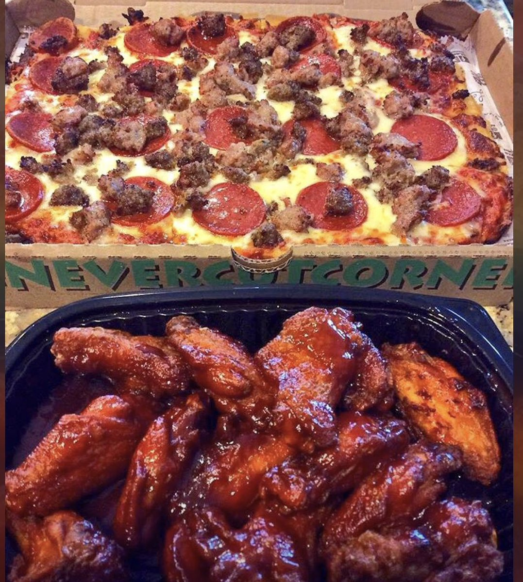 💥 #FridayFeeling GIVEAWAY 💥  RETWEET & FOLLOW  for a chance to win a  $50 #LEDOPIZZA GIFT CARD!  (2 winners picked at 10pm 2/19/21)  Save Time Order Online!  Fast. Easy. Fresh. Carryout.