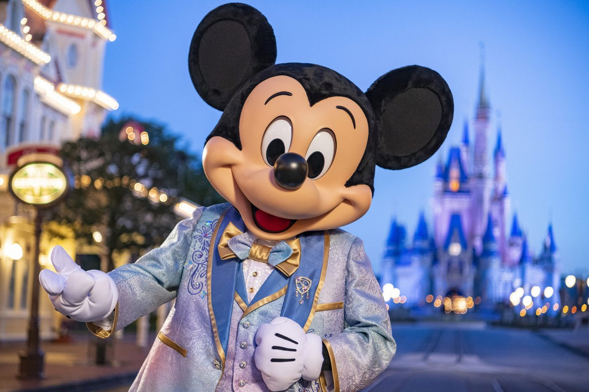#ウォルトディズニーワールド50周年 のミッキーマウス&ミニーマウス新コスチューム!!    #ディズニーワールド #ウォルトディズニーワールド #ディズニーワールド50周年 #ウォルトディズニーワールド50周年 #海外ディズニー #アメリカディズニー