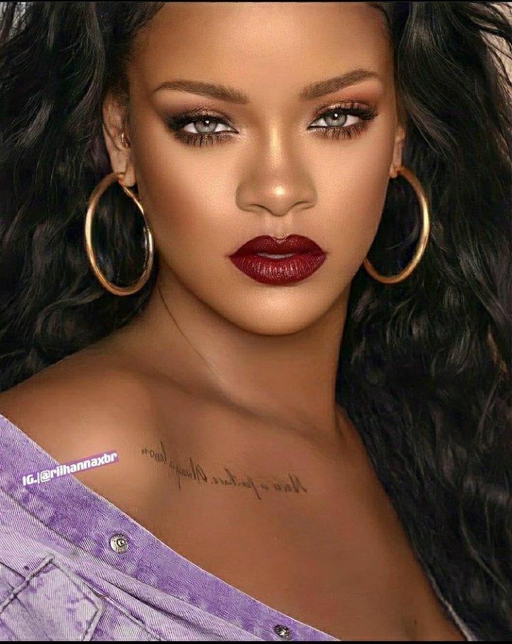 Happy birthday Rihanna I love you with all of me