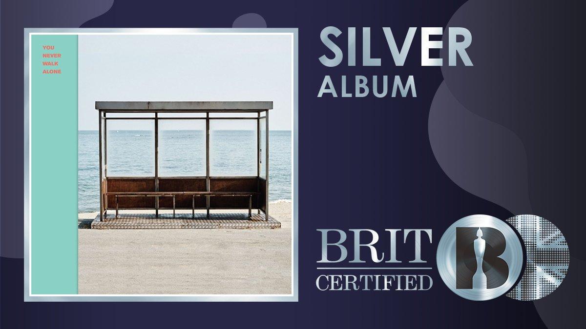 👏 'You Never Walk Alone', o álbum de 2017 de @BTS_twt, agora é #BRITcertified Silver!  💿