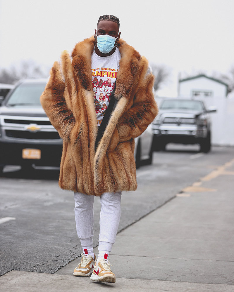 💧 💧 💧💧💧  @TheRealFrankC_  This outfit is cold.... no pun intended