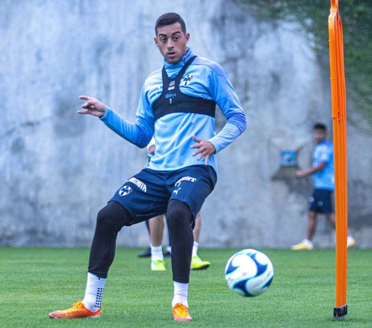 DUDA PARA LA FECHA 7  El mellizo Rogelio Funes Mori, tendría molestias en su tobillo derecho, motivo por el cual está casi descartado para el partido contra Necaxa.  #FutbolMedia #LigaBBVAMX #Monterrey https://t.co/7bnqFcZo01
