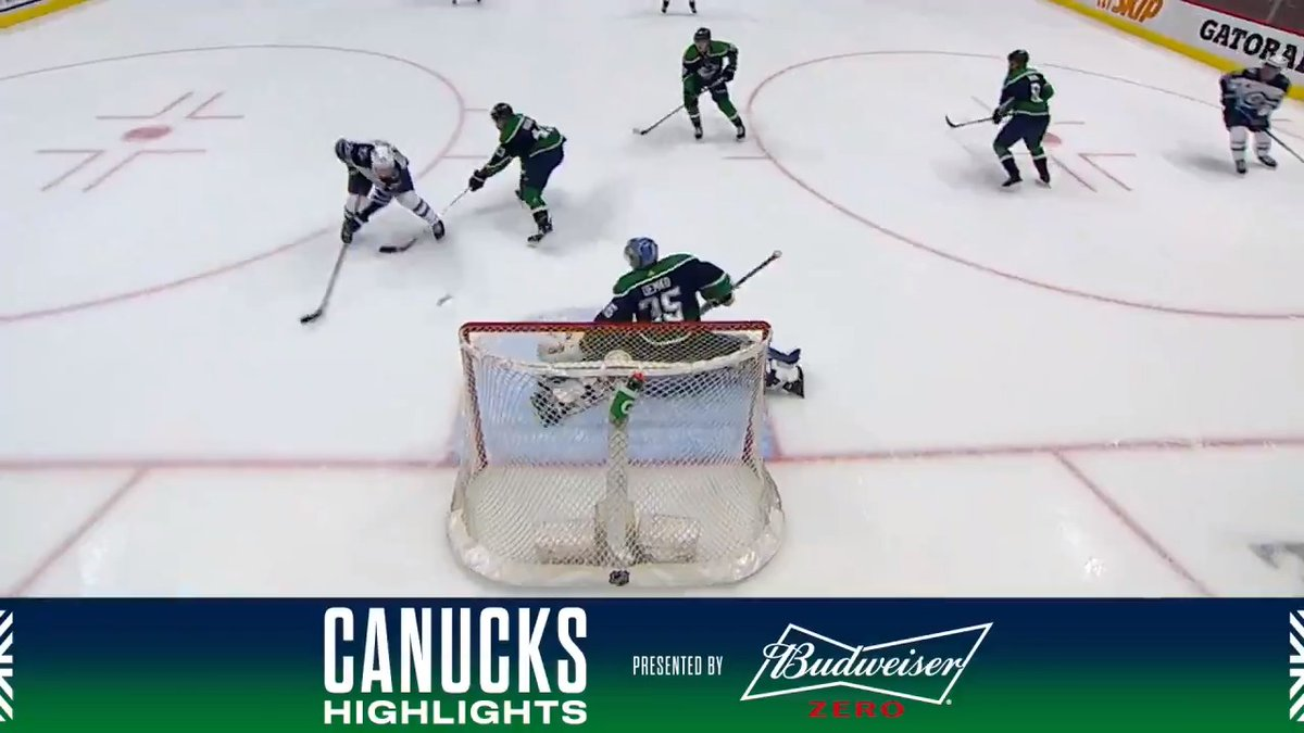 It was a battle of the goaltenders as the #Canucks lost 2-0 to the Jets despite firing 29 shots at Winnipeg Friday night. @budweisercanada Highlights | canucks.co/iM8230rxFTE
