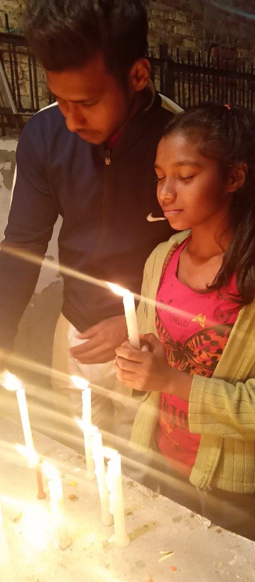 @iSinghApurva  🇮🇳 #देश_की_रक्षा के लिए #अपने_प्राणों_को_न्योछावर करने वाले 🇮🇳 #पुलवामा के #अमर_बलिदानियों को बहुत-बहुत नमन। 🇮🇳 🇮🇳 #Many_Salutes to the #immortal #sacrifices of 🇮🇳 #Pulwama who #sacrificed their lives to #protect_the_country. #PulwamaTerrorAttack #PulwamaAttack