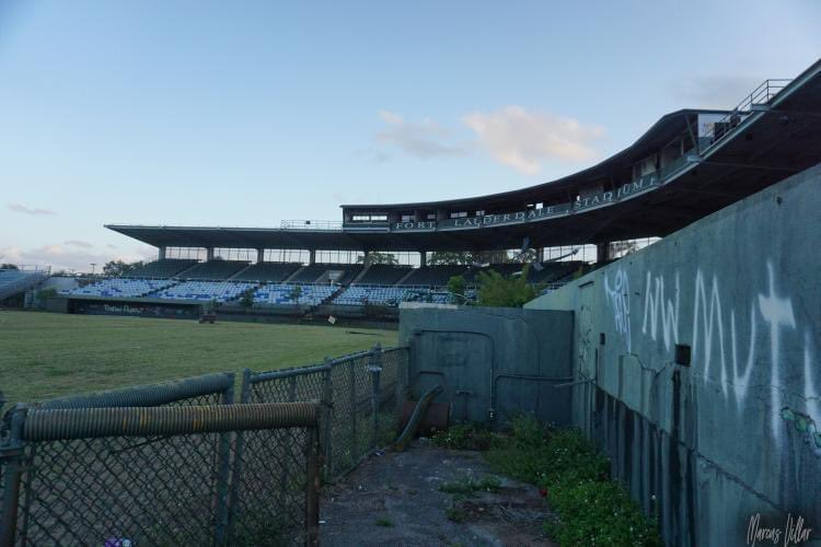 Ft Lauderdale Stadium opened in 1962 as the spring training home of Yankees and club's class D minor league team. Mantle, Ford, Berra and Jackson all dusted winter cobwebs off at the south Fla ballpark. It was razed in 2019. Photos taken near end by Marcus Villar & Fletcher Byrd. https://t.co/OJSXyJZL5y