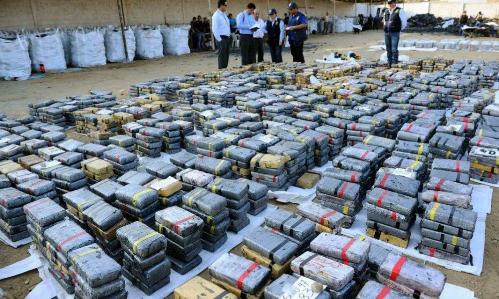 Tag colombia en El Foro Militar de Venezuela  EurA-tgXIAIzawS?format=jpg&name=medium