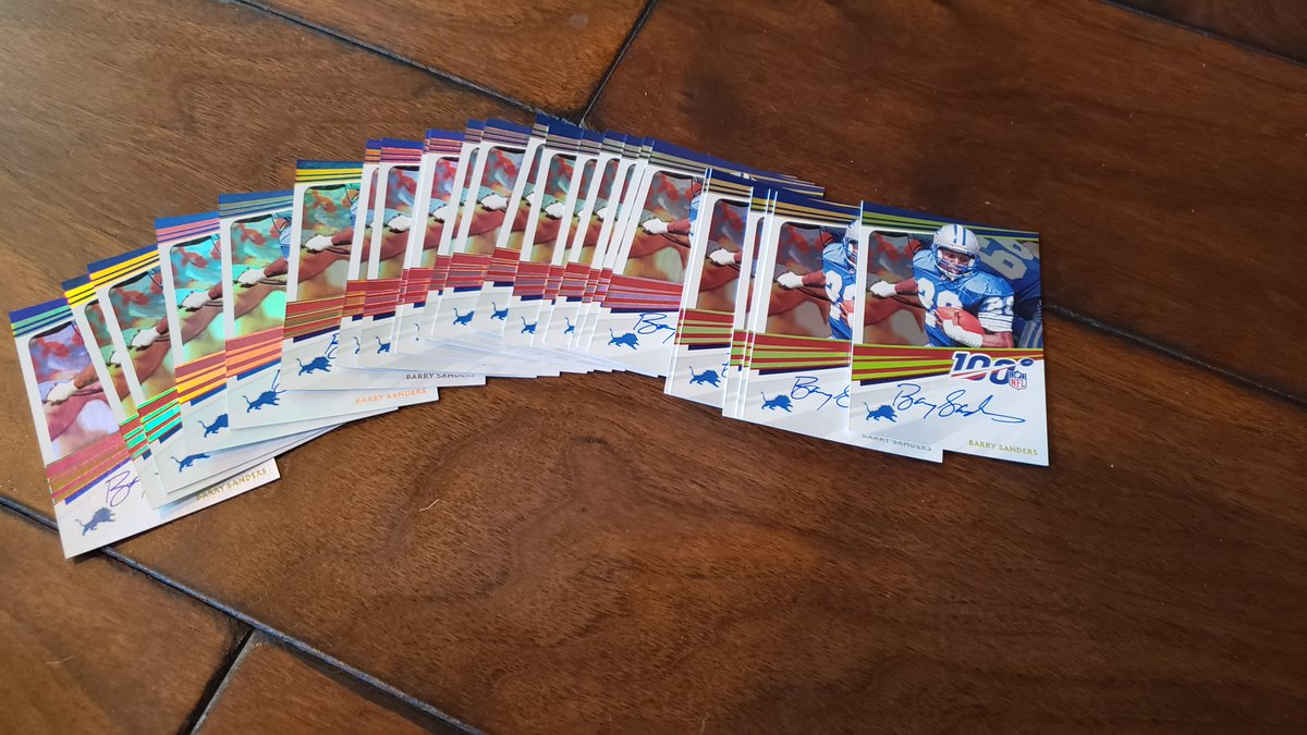 Signed a bunch more cards for @PaniniAmerica - so decided to do a giveaway...   Make sure you go to  & sign up to see everything they have - Including how to find these beauties in packs & on-line!  I will pick 1 random winner. Retweet to win. @Lions