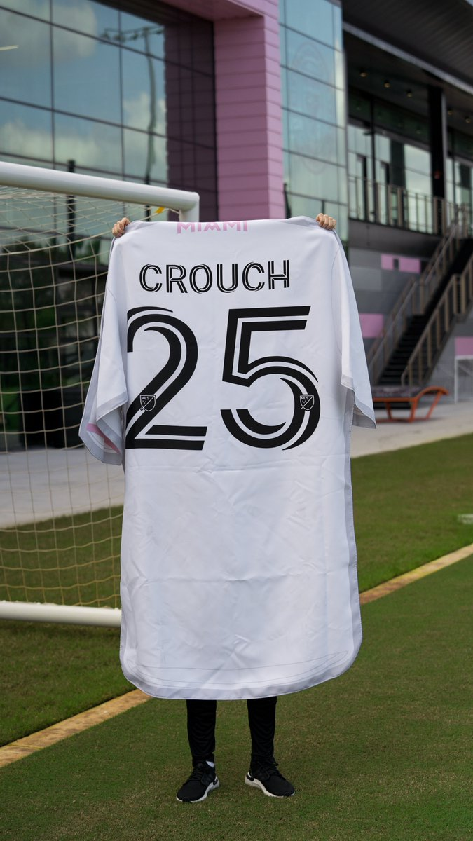 @petercrouch @stokecity We've got ya covered @petercrouch... care to try it on for size? (ps we put in a good word with the Boss as well)