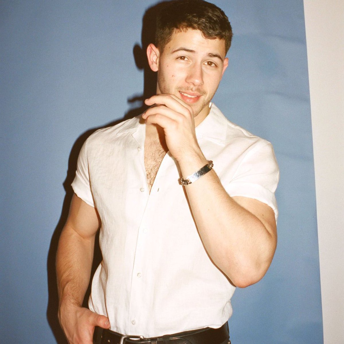 🚨 @NickJonas will be hosting and performing on #SNL on February 27th.