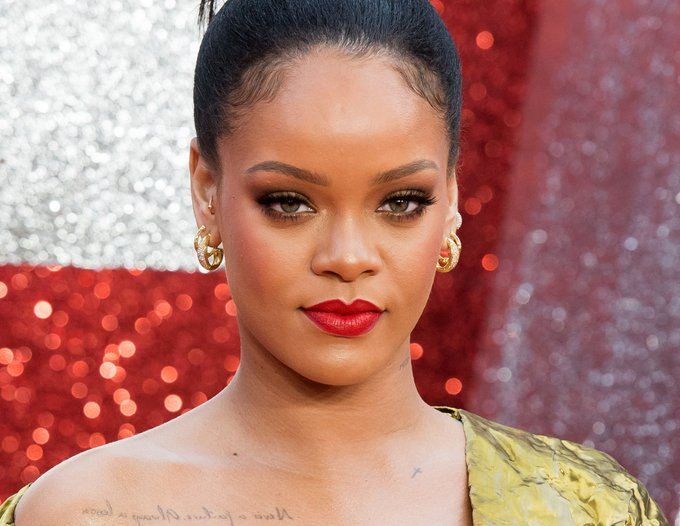 Riri is 33 today.  One of my favorite pop stars of all time.    Happy birthday, Rihanna.