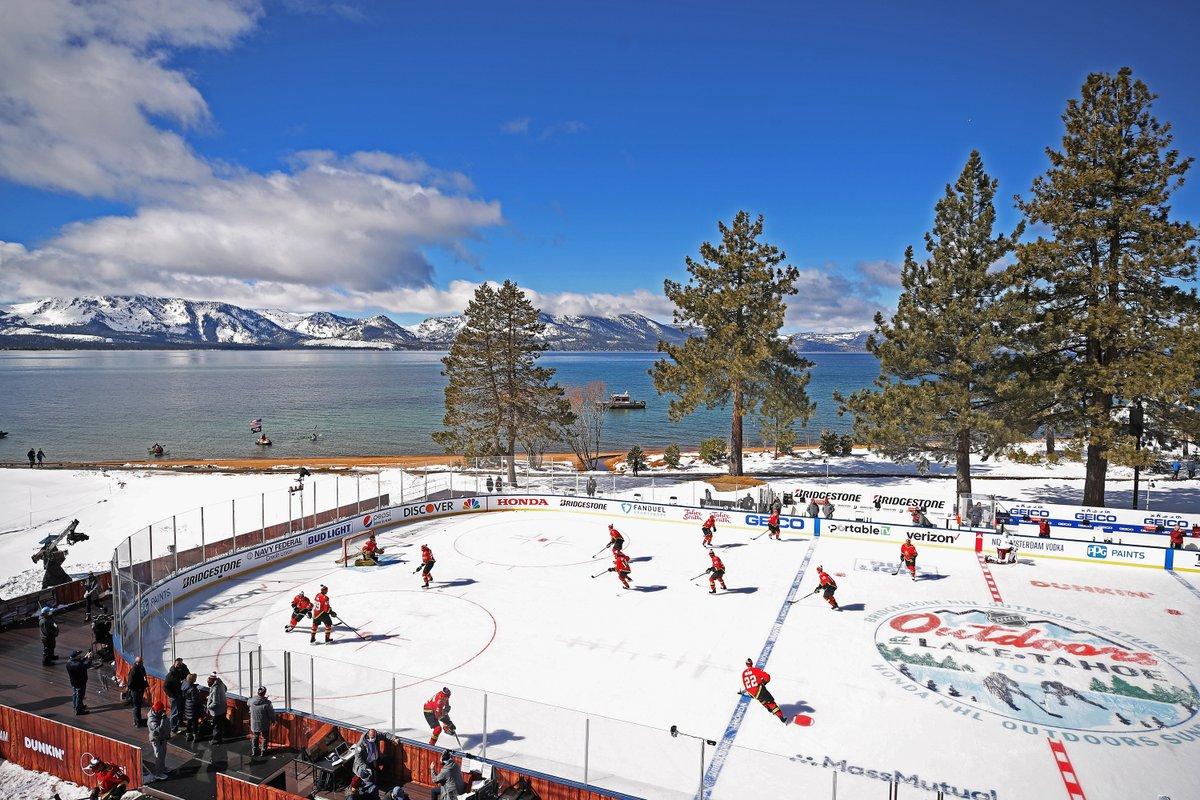The NHL outdoors at Lake Tahoe 😍 (📸: @NHLonNBCSports)