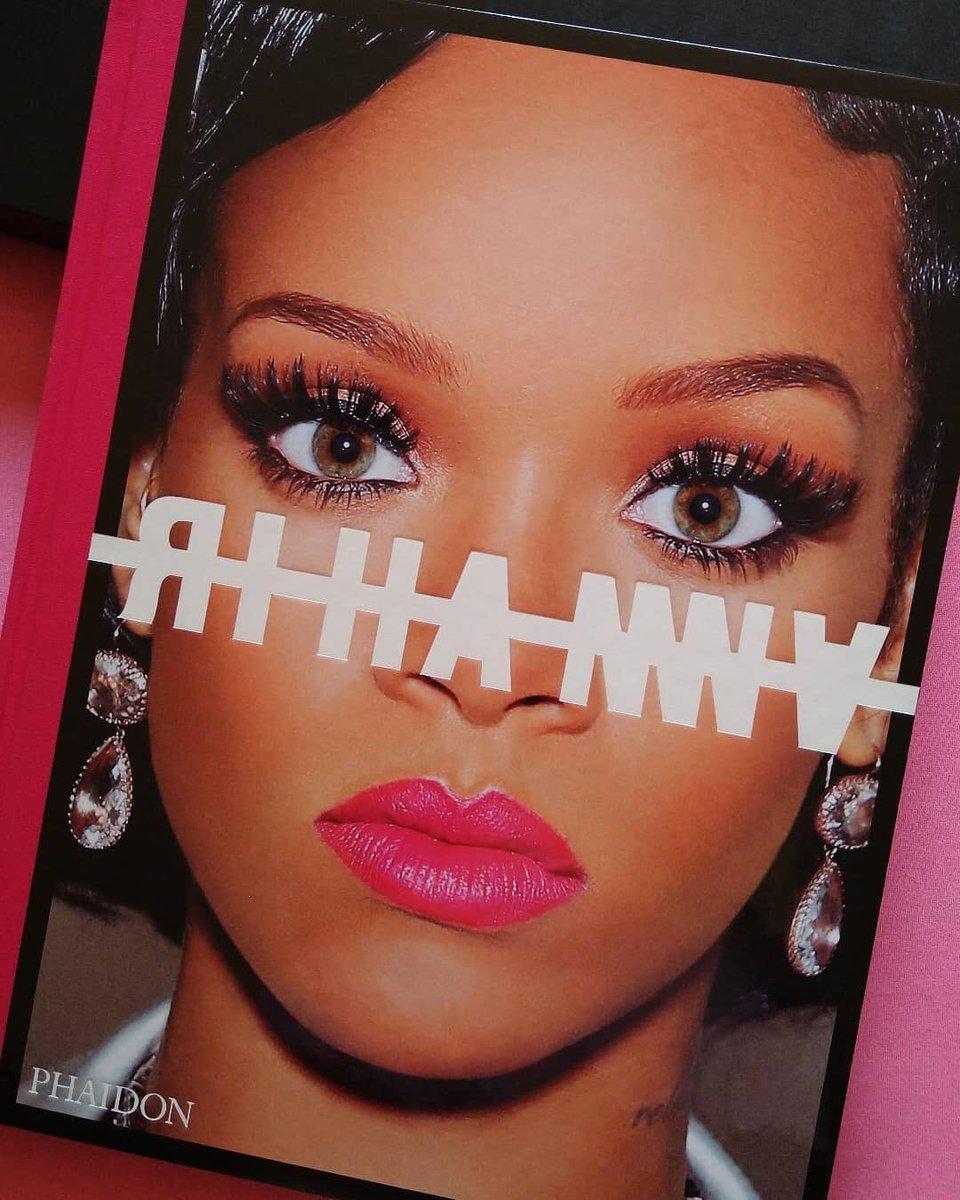 👸🏾❤️ #theRIHANNAbook #HappyBirthdayRihanna