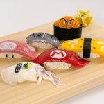 本当に食べられそうなリアルさ!樹脂粘土で作ったというマリオ要素が詰め込まれたお寿司!