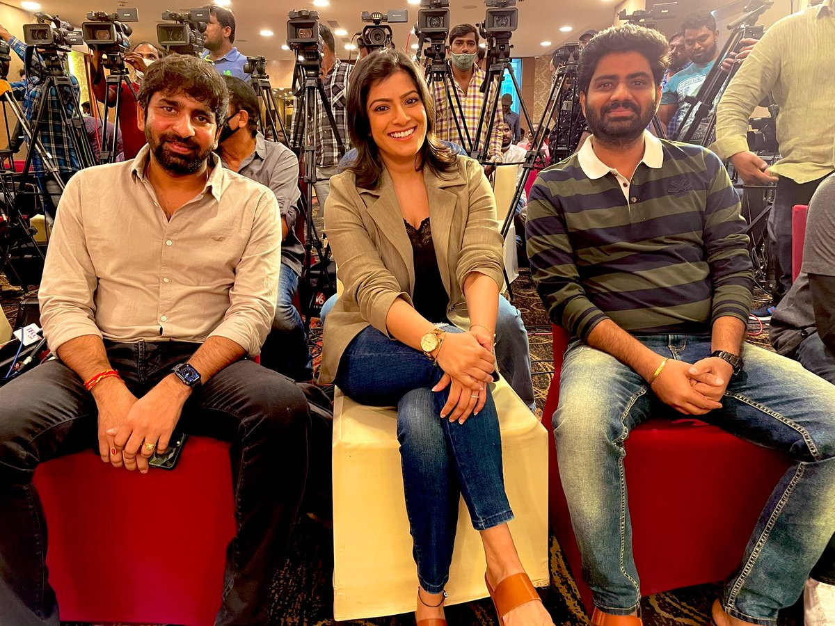 #krack and #Naandhi... whatttteeeee moment..!!! Thanks you @megopichand for #jayaamma and thank you @vijaykkrishna for #Aadhya I'm truly indebted to you both.. thanks for the love from #TFI audience I'm just speechless.!!! Thankkk you love u all.!!
