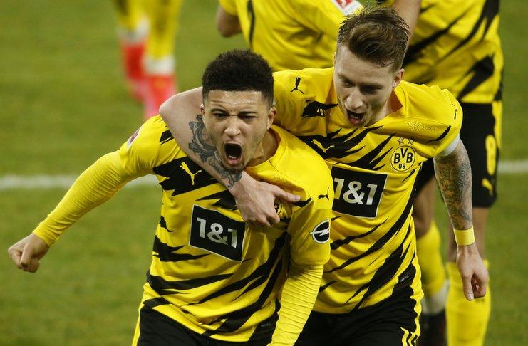Jadon Sancho w ostatnich 6 spotkaniach dla Borussi Dortmund:  vs Augsburg ⚽ vs Paderbon ⚽ vs Freiburg ❌ vs Hoffenheim ⚽ vs Sevilla 🅰️ vs Schalke ⚽🅰️  #BundesTAK https://t.co/hY12qdvIvD