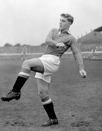 For Duncan Edwards today United. 63 years ago today Manchester United's greatest ever player passed away from injuries sustained in the Munich air crash. RIP #DuncanEdwards #BusbyBabes #MUFC #FlowersOfManchester
