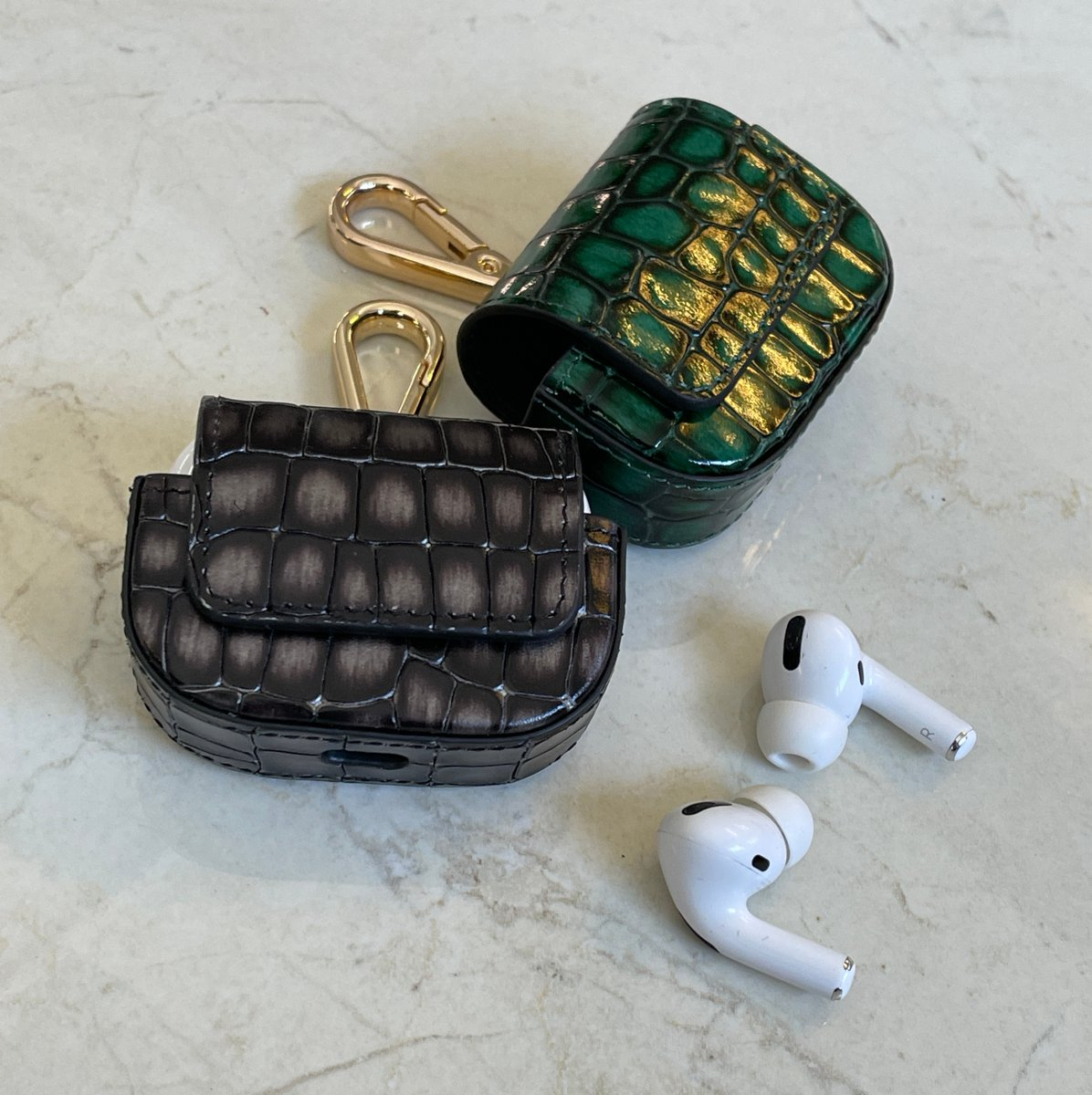 Carry your AirPods with style. Made of finest Leather.  Link in Bio. #airpodspro #luxury #leatheraccessories #goldblackofficial #appleaccessories