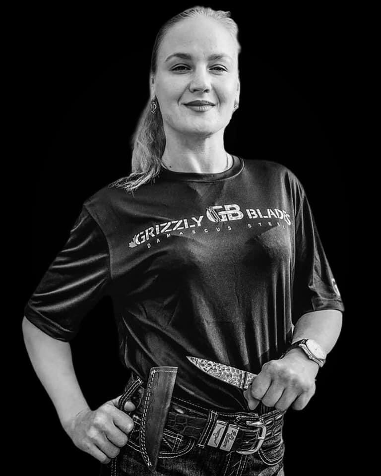 """Thank you so much for being part of Grizzly Blades Team CHAMP @BulletValentina 🙏🙏🙏  • • • VALENTINA """"BULLET"""" SHEVCHENKO with GRIZZLY BLADES. #mma #mma_russia #mmalrifai #ufc #ufcrussia #mmalrifai #MMATwitter #MMA #MMA2020 #mmafighter #UFCFightNight"""