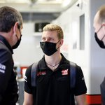 Blessing your timeline with some @SchumacherMick content this Sunday ☺️  #HaasF1