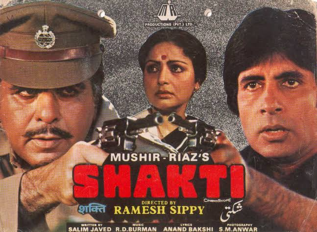 """Watched again classic cult movie """"Shakti"""" every clash between @SrBachchan and #DilipKumar is worth watching... @rgsippy"""