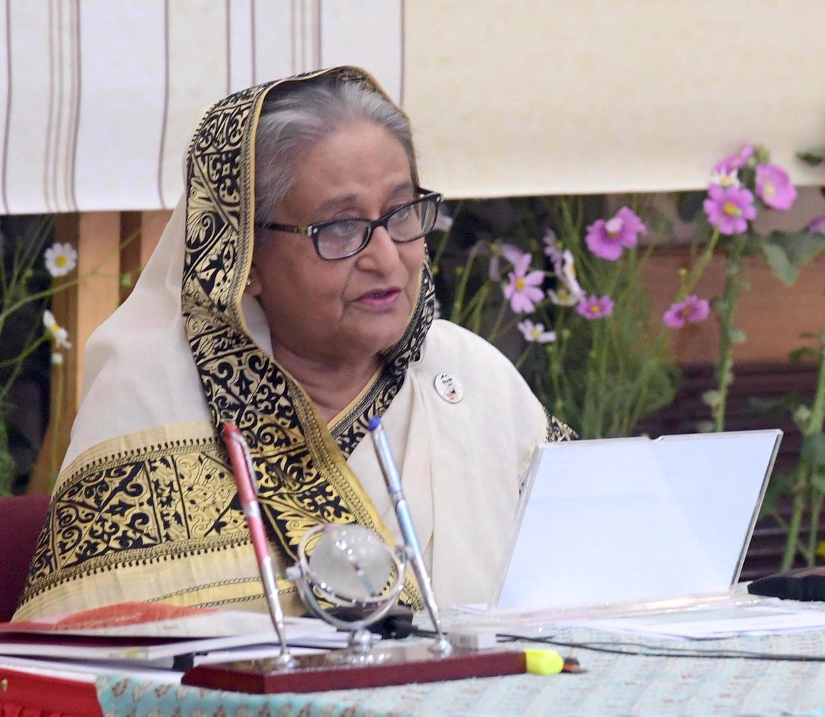 It was the #Language #Movement which paved the way for the eventual #independence of #Bangladesh and all subsequent achievements of the nation: HPM #SheikhHasina on #IMLD2021 and #MartyrsDay.  See:  @UNESCO #LanguageRights #IMLD