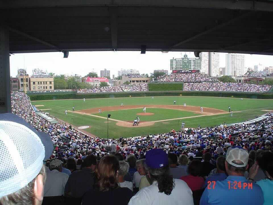 I miss this version of Wrigley Field. Photo: Michael Catok (2005). https://t.co/WYEADTiocn