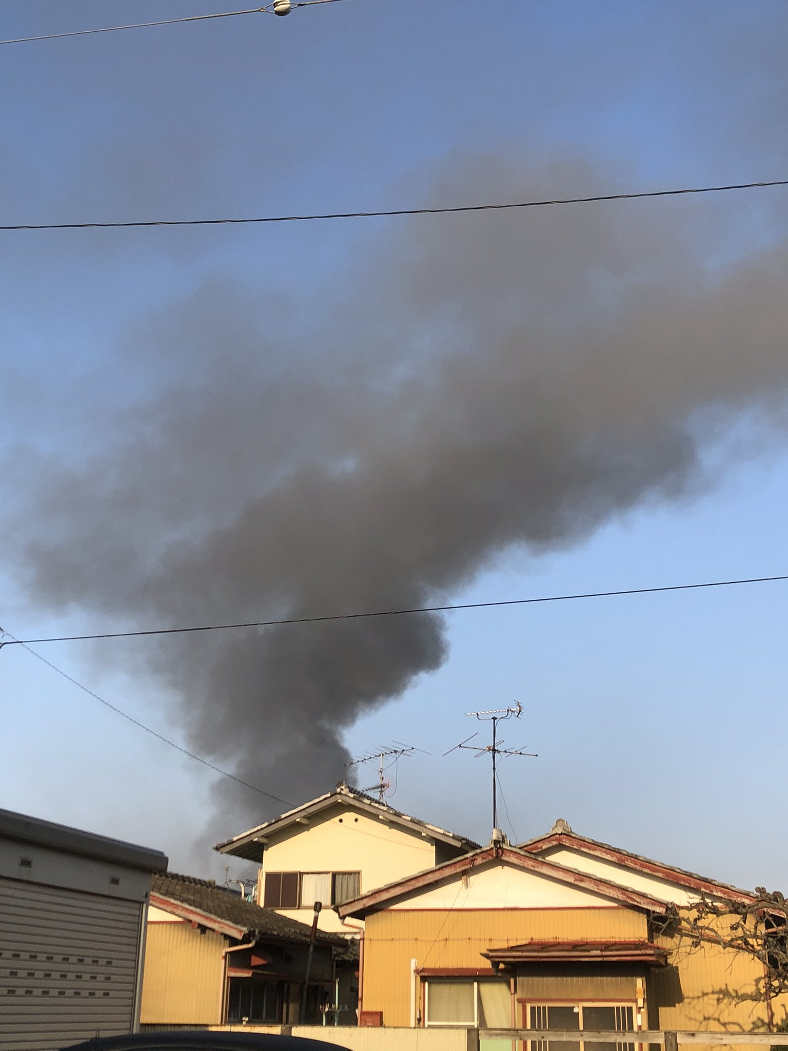 画像,朝から火事だ😧 https://t.co/RO6PLYiRLg。