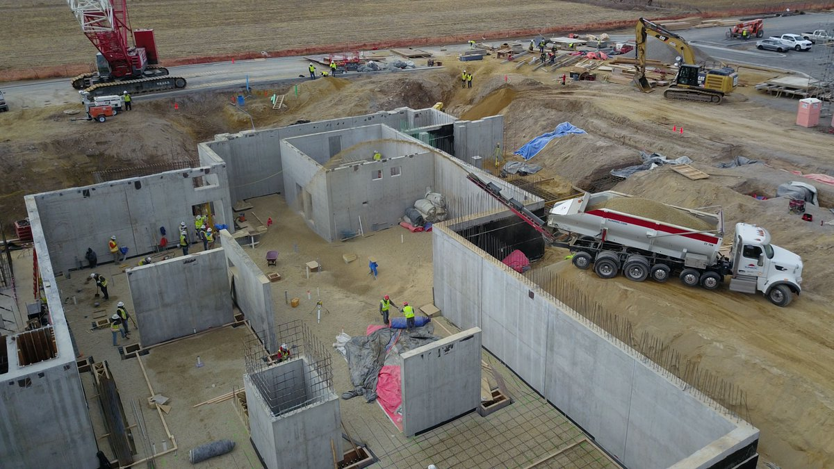 Placed 1,000 tons of rock via stone slinger earlier this month on the extensive basement foundation for the Orem, Utah Temple for The Church of Jesus Christ of Latter Day Saints.  Weather permitting, the basement floor will go in this week. @WestlandConstr1 @Ch_JesusChrist https://t.co/1K8TjGP4ym